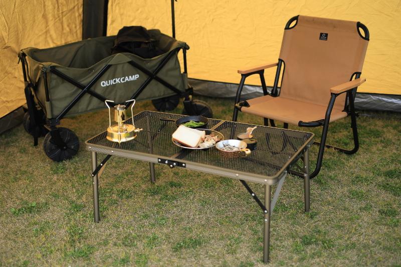 クイックキャンプの耐熱性メッシュテーブル