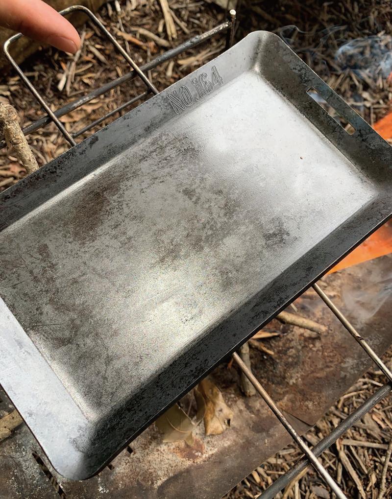 ヒロシのソロキャンプの特典「NO.164」オリジナル鉄板