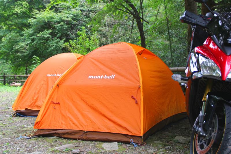 モンベルの「クロノスドーム2型」はツーリングキャンプにおすすめ